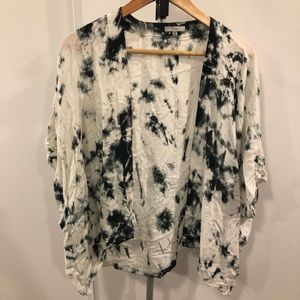 Aritiza Talula tie dye kimono cardigan